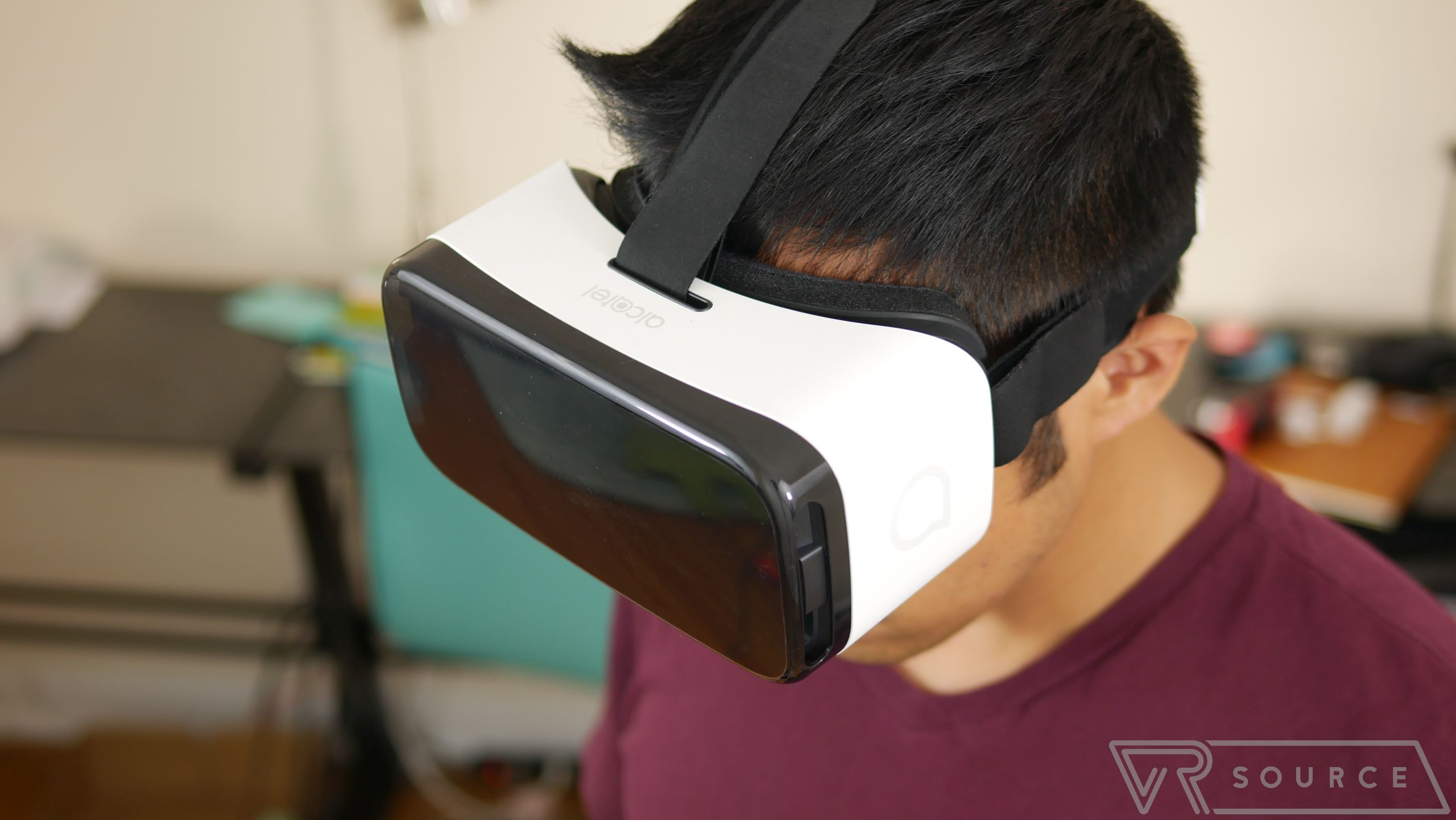 Alcatel VR Headset Review 8